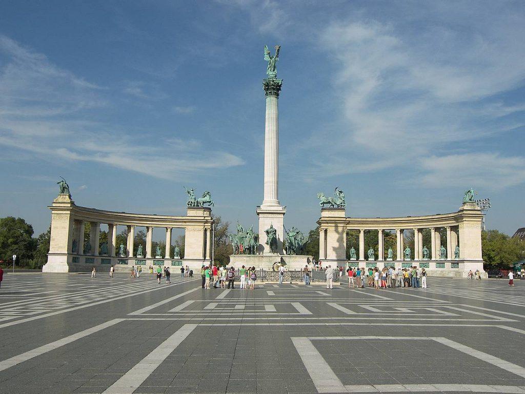 بودابست فى النهار ( 4-5 ) ساعات